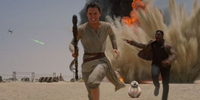 Star-Wars-Force-Awakens-Rey-Finn-BB8-running-667x334