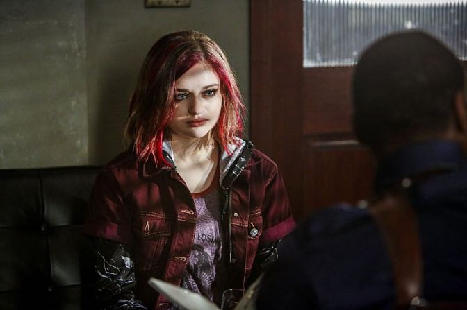 """The Flash -- """"Magenta"""" -- Image: FLA303b_0076b.jpg -- Pictured: Joey King as Frankie Kane -- Photo: Bettina Strauss/The CW -- © 2016 The CW Network, LLC. All rights reserved."""