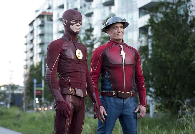 """The Flash -- """"Paradox"""" -- Image: FLA302a_0267b.jpg -- Pictured (L-R): Grant Gustin as The Flash and John Wesley Shipp as Jay Garrick -- Photo: Dean Buscher/The CW -- © 2016 The CW Network, LLC. All rights reserved."""