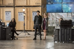 "The Flash -- ""Invasion!"" -- Image FLA308b_0171b.jpg -- Pictured (L-R): Candice Patton as Iris West, Tom Cavanagh as Harrison Wells, Emily Bett Rickards as Felicity Smoak and Danielle Panabaker as Caitlin Snow -- Photo: Dean Buscher/The CW -- © 2016 The CW Network, LLC. All rights reserved."