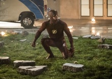 """The Flash -- """"Invasion!"""" -- Image FLA308c_0143b.jpg -- Pictured: Grant Gustin as The Flash -- Photo: Dean Buscher/The CW -- © 2016 The CW Network, LLC. All rights reserved."""