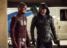 "The Flash -- ""Invasion!"" -- Image FLA308c_0247b.jpg -- Pictured (L-R): Grant Gustin as The Flash and Stephen Amell as Green Arrow -- Photo: Dean Buscher/The CW -- © 2016 The CW Network, LLC. All rights reserved."
