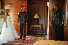 supergirl-flash-arrow-legends-crossover-photos-511