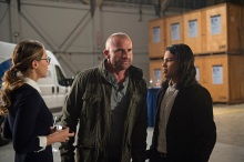 """DC's Legends of Tomorrow --""""Invasion!""""-- Image LGN207b_0087.jpg -- Pictured (L-R): Melissa Benoist as Kara/Supergirl, Dominic Purcell as Mick Rory/Heat Wave and Carlos Valdes as Cisco Ramon -- Photo: Diyah Pera/The CW -- © 2016 The CW Network, LLC. All Rights Reserved."""