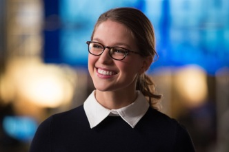 """DC's Legends of Tomorrow --""""Invasion!""""-- Image LGN207b_0157.jpg -- Pictured: Melissa Benoist as Kara/Supergirl -- Photo: Diyah Pera/The CW -- © 2016 The CW Network, LLC. All Rights Reserved"""
