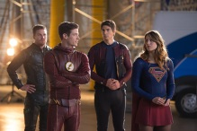 """DC's Legends of Tomorrow --""""Invasion""""-- Image LGN207c_0277.jpg -- Pictured (L-R): Stephen Amell as Oliver Queen, Grant Gustin as Barry Allen, Brandon Routh as Ray Palmer/Atom and Melissa Benoist as Kara/Supergirl -- Photo: Diyah Pera/The CW -- © 2016 The CW Network, LLC. All Rights Reserved"""